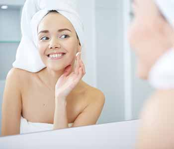 Laser treatment is a treatment patient may consider for acne scar removal due to its many advantages.